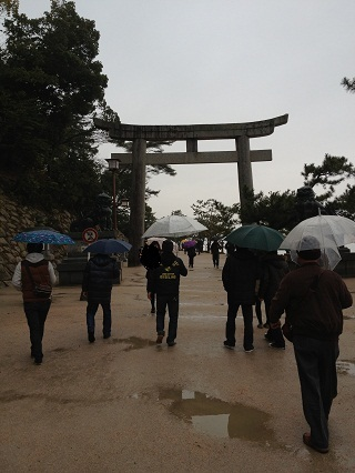 厳島神社の入り口.jpg